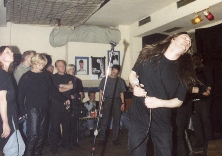 2001-04-21 Wiesbaden, Wirtshaus 13