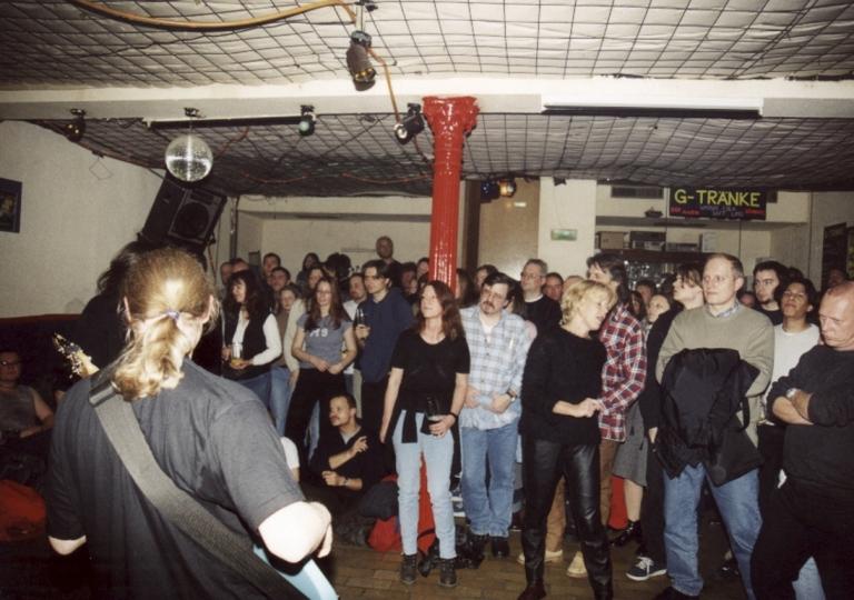 2001-04-21 Wiesbaden, Wirtshaus 18