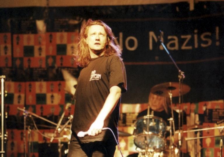 2002-08-10 Katzenelenbogen, Wake Up 07